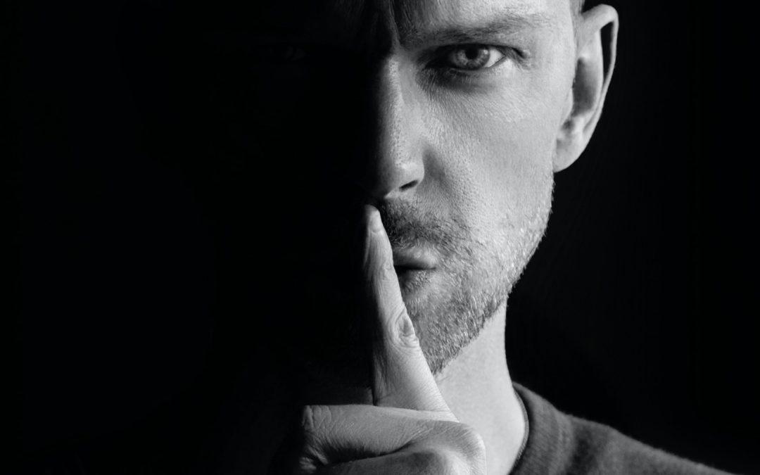 Pervers narcissique : comment échapper à son emprise ?